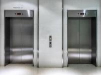 ¿Cuánto cuesta poner un ascensor?